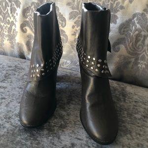 Toi et Moi Brown Studded Flap Boots Size 7.5 EUC